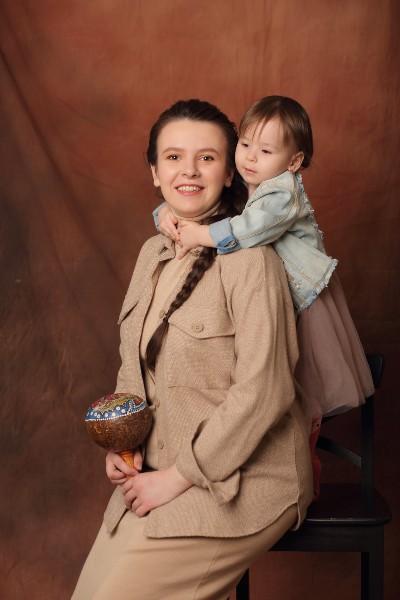 Алена с дочкой