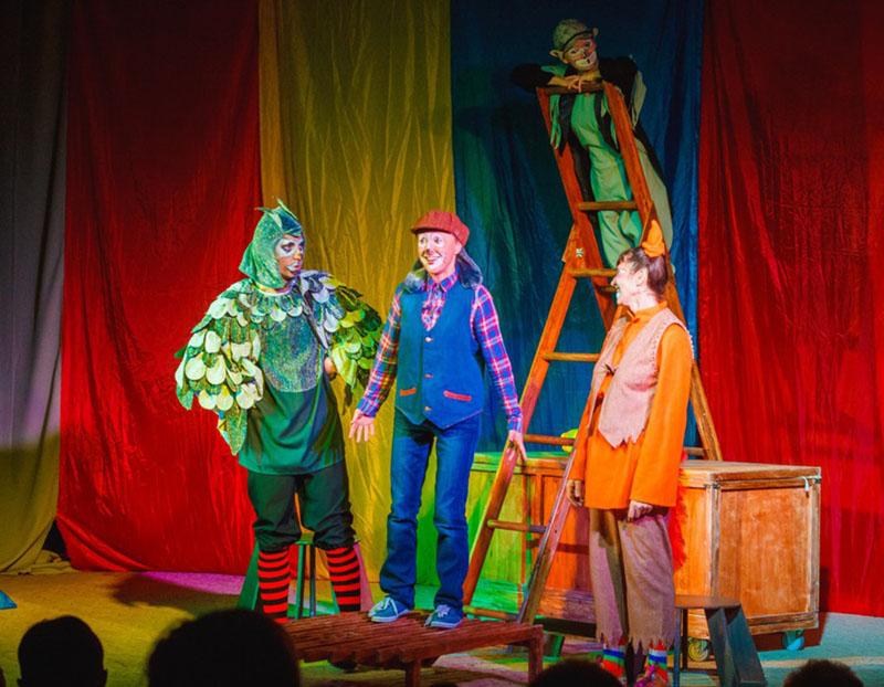 Спектакль «По зеленым холмам океана» в театре «Город»