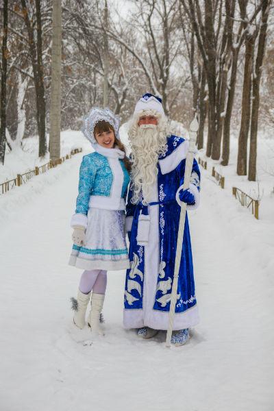 Дед Мороз со Снегурочокй