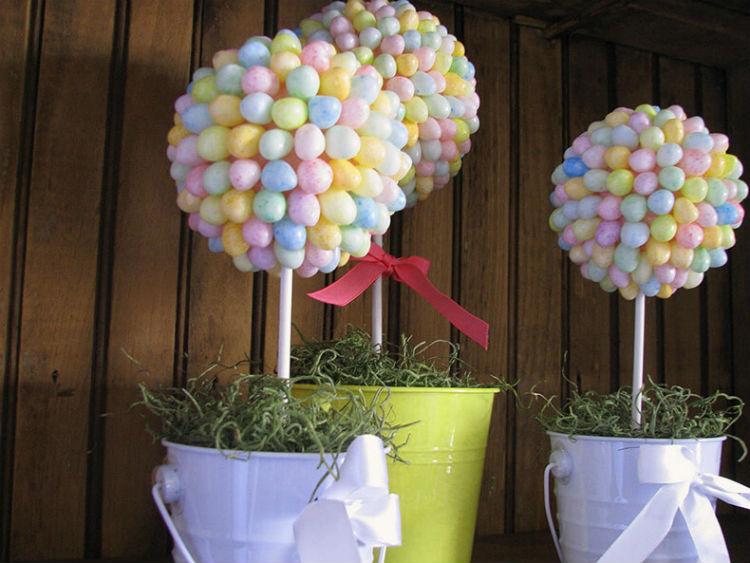 Дерево с воздушными шариками