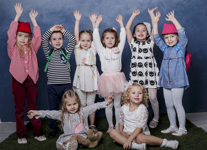 Дети поняли руки