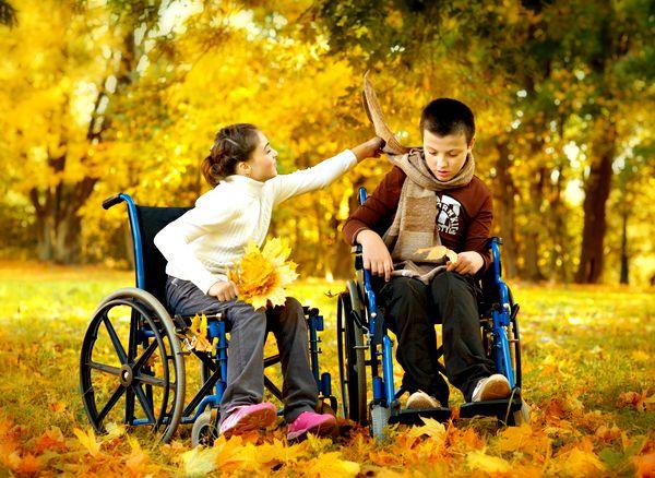 Дети в инвалидных колясках