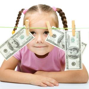 Девочка с долларами