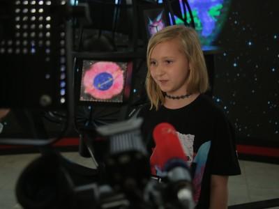 София дает интервью телеканалам