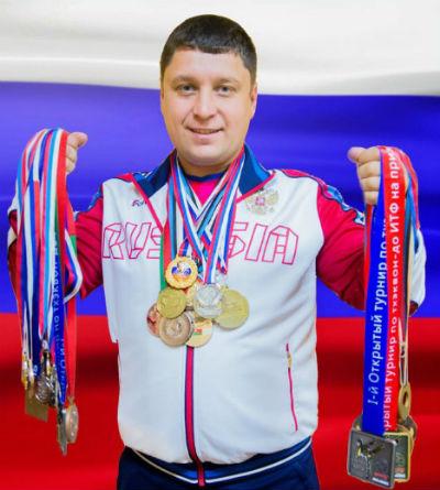 Тренер с медалями