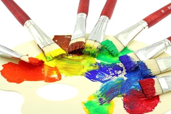 Кисти в краске