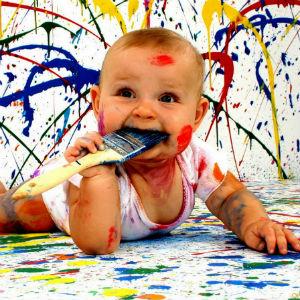 Малыш в краске