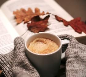 Осень и кружка какао