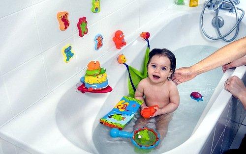 Ребенок в ванной