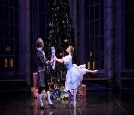 Артисты балета на сцене