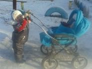 Зимняя прогулка с братиком